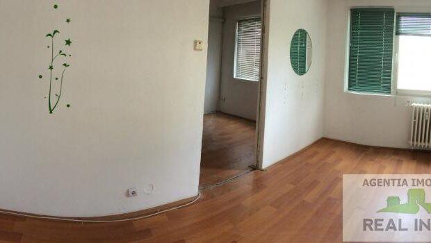 Vanzare apartament 2 camere sdec. situat in Micro 40