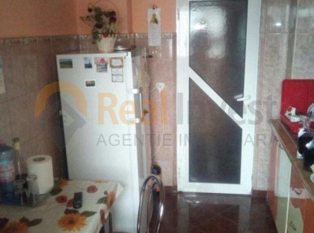 Apartament 3 camere decomandate cu centrala termica