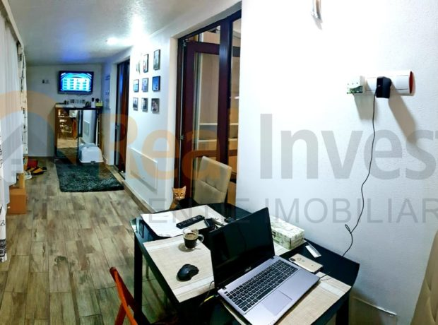 Vanzare apartament 2 camere decomandate – mobilat si utilat premium