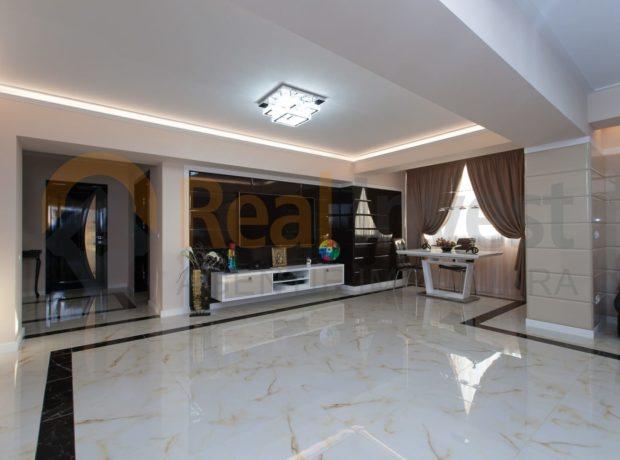 De vânzare apartament 3 camere, Centru, mobilat și utilat lux