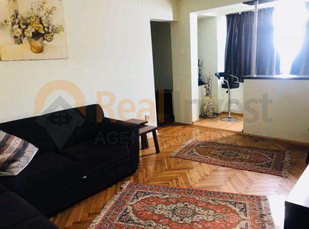 De vânzare apartament cu 3 cam. etaj 7/7 pe Faleză