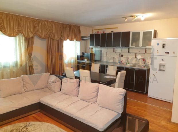 De vânzare ap 3 camere open-space, parter, Piața Centrală