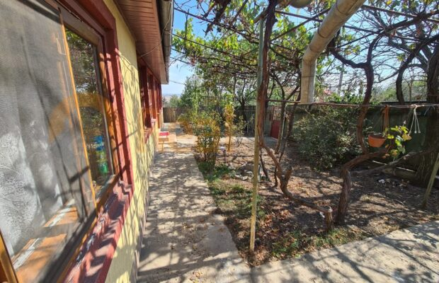 De vânzare casă la stradă în Tulucești